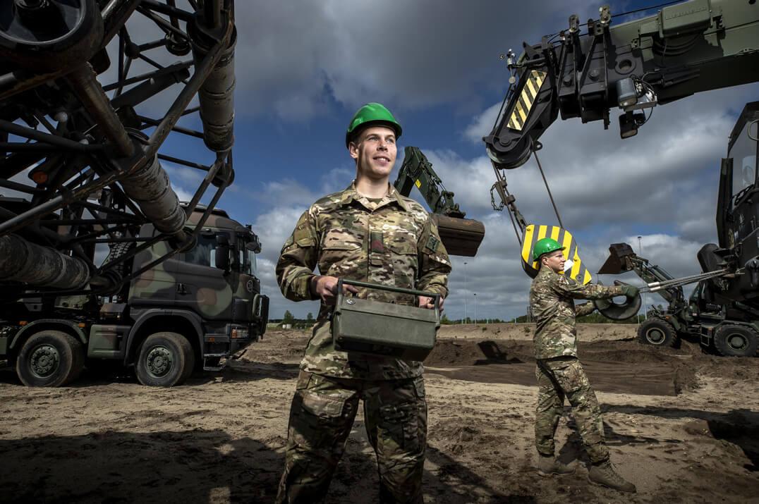 Werken voor het bouwbedrijf van Defensie
