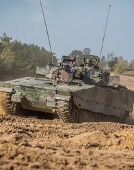 Krachtpatser van de landmacht: De 43 Gemechaniseerde Brigade rijdt met tanks!