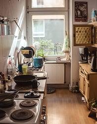 Op kamers gaan of thuis blijven wonen?
