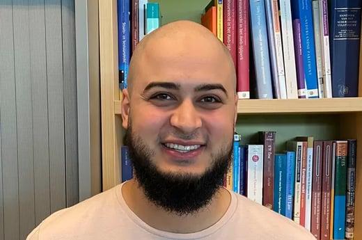 Adam Nassiri ging van vmbo-advies naar een master in privaatrecht